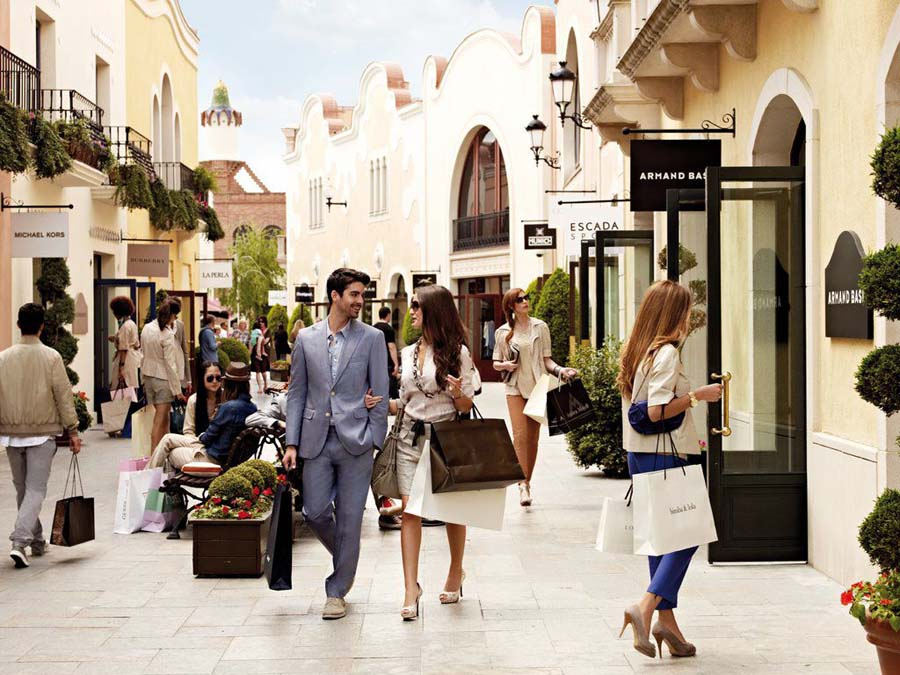 La roca village shopping